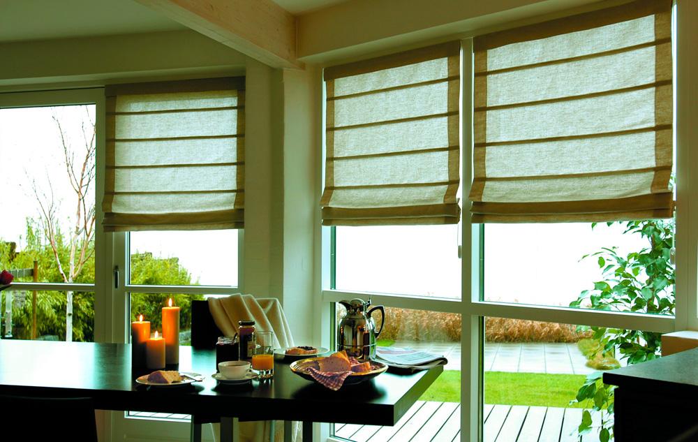Римские шторы на пластиковые окна фото №3