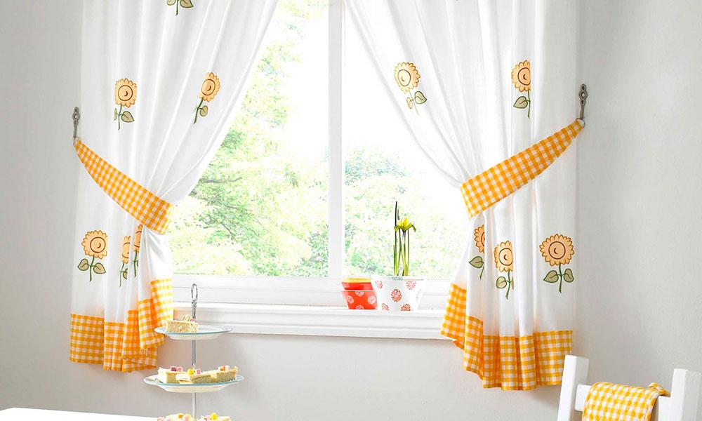 Классические шторы в гостиную
