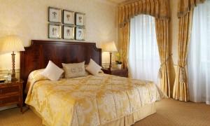 шторы-для-спальни-классические-1