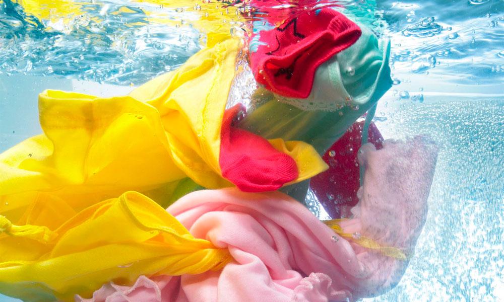 Стирка цветных и линяющих тканей