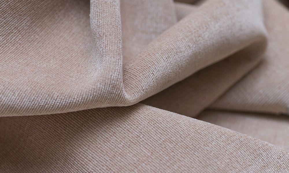 184505124720d Микрофибру активно используют для перетяжки и обшивки мебели: ткань не  протирается, легко стирается, обладает высокой прочностью, а по виду  напоминает ...